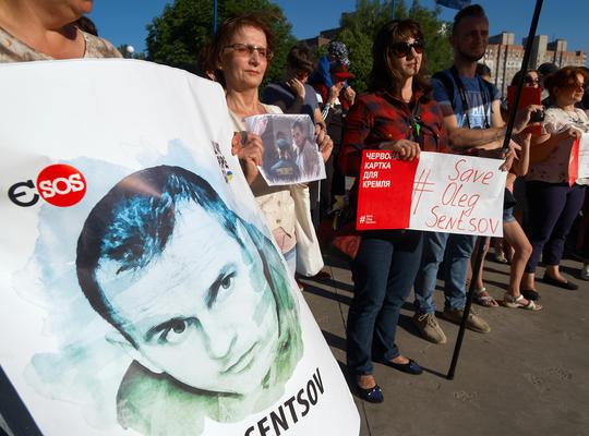 Una manifestazione a Kiev nel giugno 2018 in cui si chiedeva la liberazione di Oleg Sentsov - Polydeuces/Shutterstock