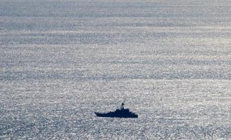 Nave da guerra nello stretto di Kerch - Maksimilian/Shutterstock