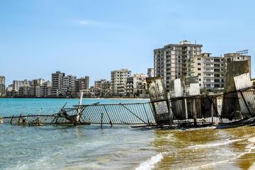 La spiaggia abbandonata di Varosha