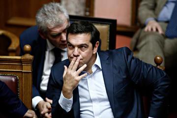 Tsipras in parlamento - Alexandros Michailidis/Shutterstock