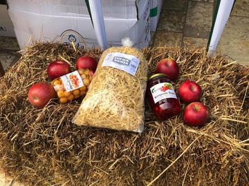 Alcuni dei prodotti di Agro Zerja (dalla pagina Facebook di Agro Zerja)