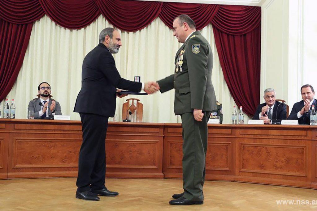 Nikol Pashinyan alle celebrazioni del centenario della creazione dei Servizi di sicurezza armeni (foto ufficiale tratta dal portale del governo armeno)