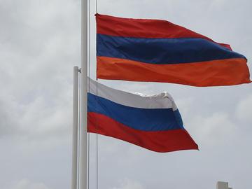 Le bandiere russa ed armena a Gyumri (Foto Alexanyan, Flickr)