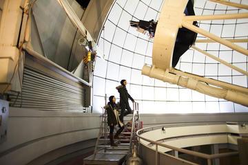 Hasmik e Anahit Samsonyan all'interno dell'Osservatorio di Byurakan (Inna Mkhitaryan, Chai Khana)