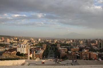 Yerevan, vista sulla città - Marco Zanferrari - Flickr.jpg