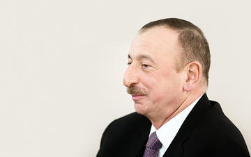 Ilham Aliyev (Drop of Light/Shutterstock)