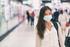 Donna con mascherina, foto Maridav Shutterstock