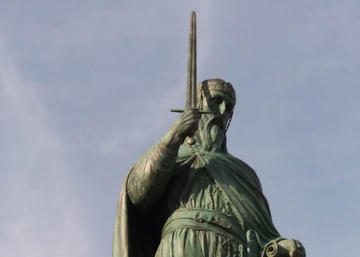 Particolare della statua dedicata a Stefan Nemanja (foto N. Dotto)