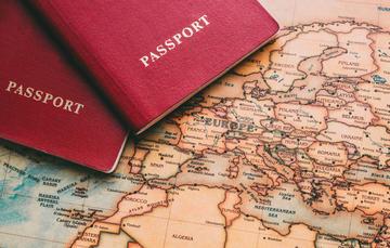 Passaporti, foto Alex Erofeenkov Shutterstock.jpg