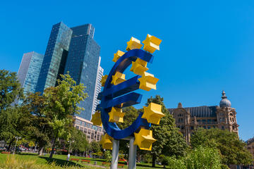 Symbol of the Euro and headquarters of the ECB