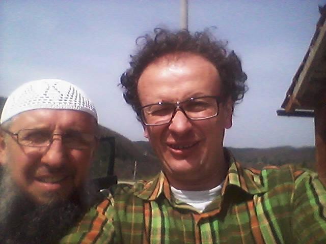 Un selfie di Srđan Puhalo assieme ad uno dei 126 salafiti intervistati