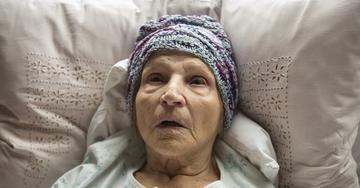 """Un fotogramma tratto dal film """"Koncentriši se, baba – Focus, Grandma"""", di Pjer Žalica"""