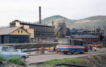 Copşa Mică, città della contea di Sibiu, avevano se de due complessi industriali altamente inquinanti, che hanno poi smesso di produrre durante gli anni della transizione