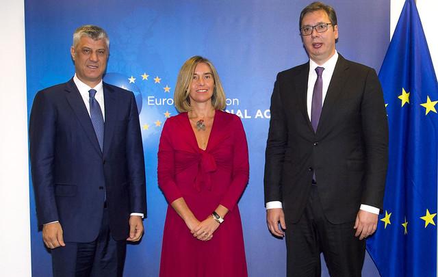 Hashim Thaci, Federica Mogherini, Aleksandar Vucic (foto di European External Action Service)