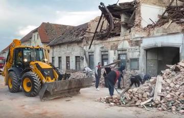 Petrinja, operazioni di soccorso - screenshot da video di 24Sata.jpg