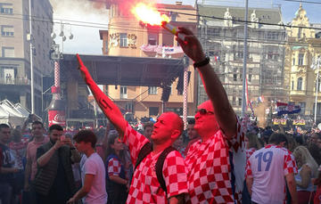 Tifosi a Zagabria dopo la vittoria della nazionale croata ai Mondiali 2018 (foto G. Vale)