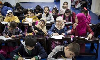 Syrian Refugees in an Istanbul's school - © Tolga Sezgin/Shutterstock