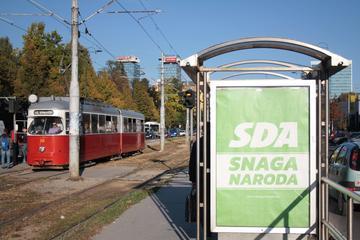 La forza del popolo, slogan elettorale del partito SDA a Sarajevo (foto A. Sasso)