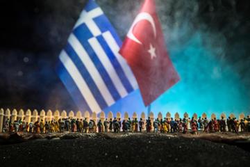 Siriani bloccati al confine tra Turchia e Grecia, Immagine Zef Art - Shutterstock.jpg