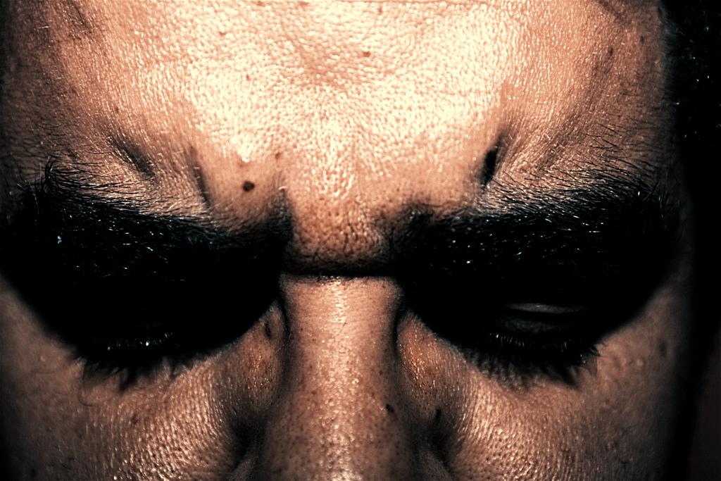 Eyes wide shut (foto di raphaelstrada)