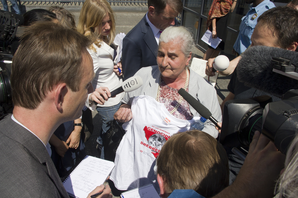 Aja. Una manifestazione davanti alla sede del Tribunale internazionale per i crimini di guerra in ex Jugoslavia (© jan kranendonk/Shutterstock)