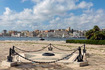 Il monumento al marinaio a Brindisi (© FabioMitidieri/Shutterstock)