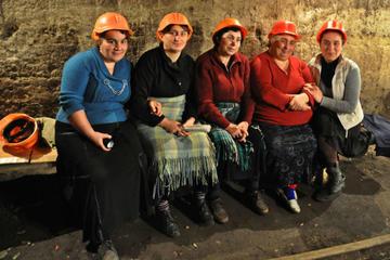 Lavoratrici georgiane nel settore minerario durante uno sciopero della fame nel 2012 (OC Media)