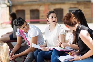 Giovani, foto di UNDP - Flickr.com.jpg