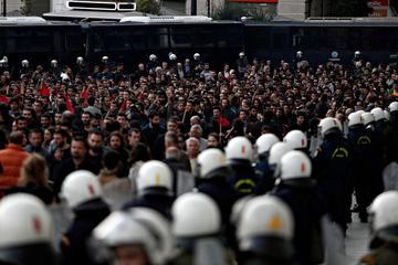 Manifestazioni ad Atene nel 2015 (foto di Alexandros Michailidis/Shutterstock)