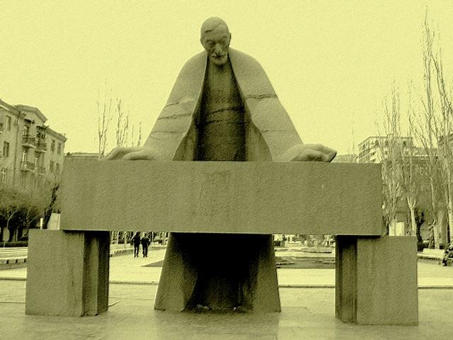 Yerevan, scultura (Foto Mzuriana, Flickr)