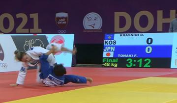 Una fase della finale olimpica a Tokyo tra Distria Krasniqi e Funa Tonaki - screenshot da Youtube