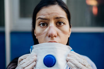 Personale medico esausto (© eldar nurkovic/Shutterstock)