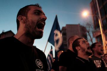 Sostenitori del movimeto di estrema destra Alba Dorata in Grecia (@ Alexandros Michailidis/Shutterstock)
