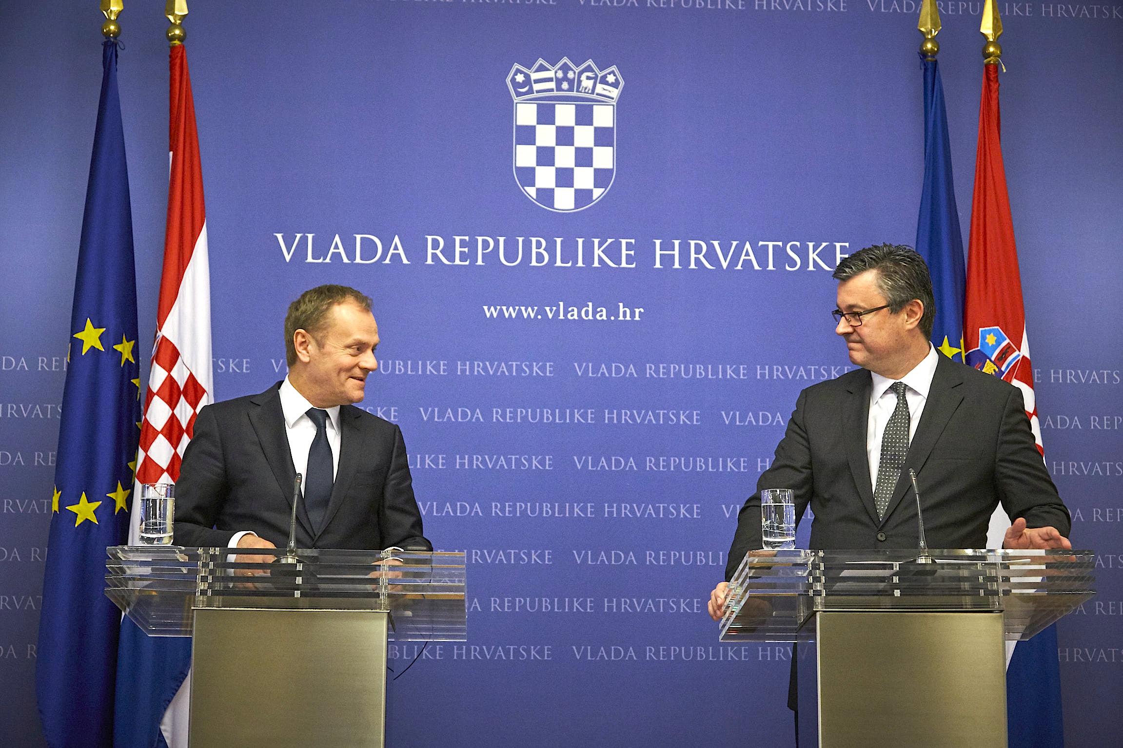 Il presidente del Consiglio europeo Donald Tusk e il primo ministro croato Tihomir Orešković (foto consilium.europa.eu)
