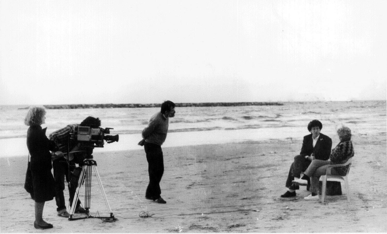 Ženi Lebl, Danilo Kiš, il regista Aleksandar Mandić, la produttrice Milena Stojićević, cameraman Done Zipevski, a Tel Aviv, Israele (foto © Aleksandar Mandić)