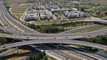 Raccordo autostrdale nell'Attica, Grecia © Greens and Blues/Shutterstock