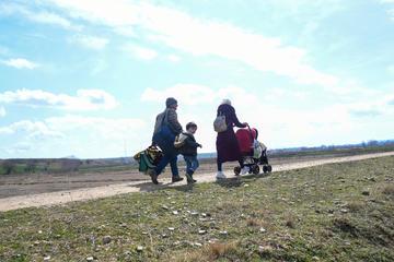 Rifugiati cercano di attraversare il confine turco-greco nei pressi di Edirne (© answer5/Shutterstock)
