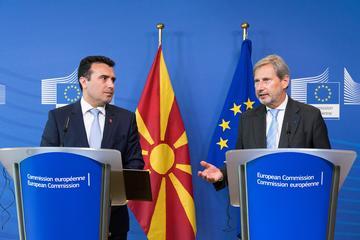 Zoran Zaev e Johannes Hahn
