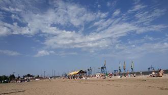 Spiaggia lungo il porto di Mariupol - foto di Claudia Bettiol