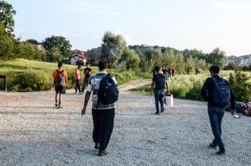 Migranti a Velika Kladuša, foto Ajdin Kamber - Shutterstock.jpg