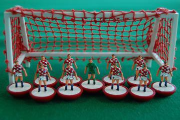 Croazia, squadra di calcio in attesa - foto Guts Gamin Flickr.jpg