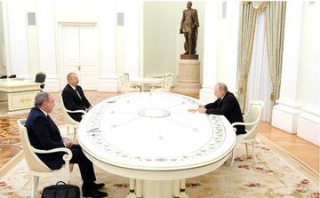 L'incontro a Mosca tra Putin, Aliyev e Pashinyan - foto: kremlin.ru