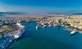 Porto del Pireo (Grecia)  - foto © Ververidis Vasilis/Shutterstock