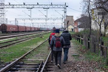 Migranti lungo la Rotta balcanica nel 2017 (© Edward Crawford/Shutterstock)