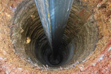 La perforazione di un pozzo per l'acqua (© I am a Stranger/Shutterstock)