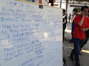 Belgrado, info point per i rifugiati alla stazione degli autobus - foto di A.Rossini (OBC).jpg