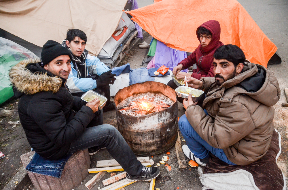 Migranti lungo la rotta balcanica (@ Ajdin Kamber/Shutterstock)