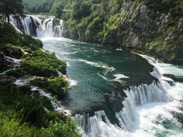 Una river (©Stepo Dinaricus/Shutterstock)