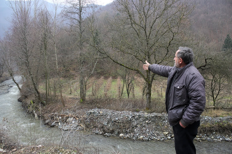 Dragan Todorović sul fiume Jošanička  (foto CINS)