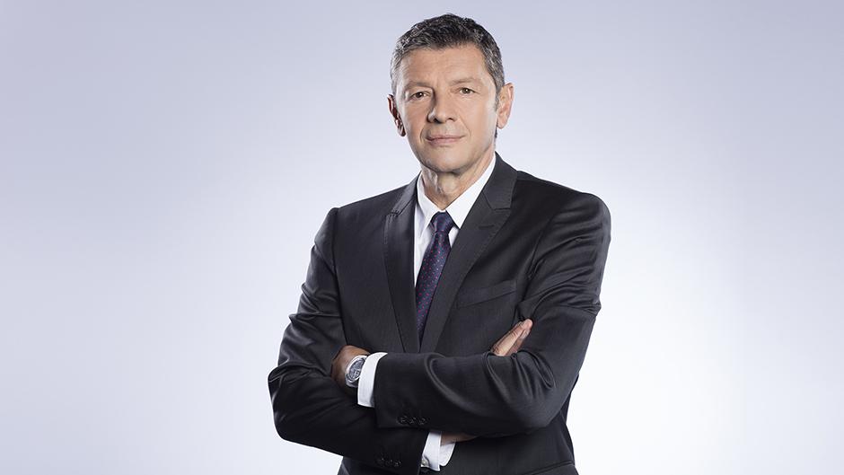 مدیر ایستگاه تلویزیونی N1 یوگسلاوی Ćosić (عکس N1)